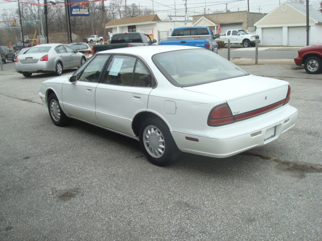 1998 Oldsmobile Regency #10