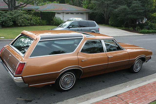 1972 Oldsmobile Vista Cruiser #13
