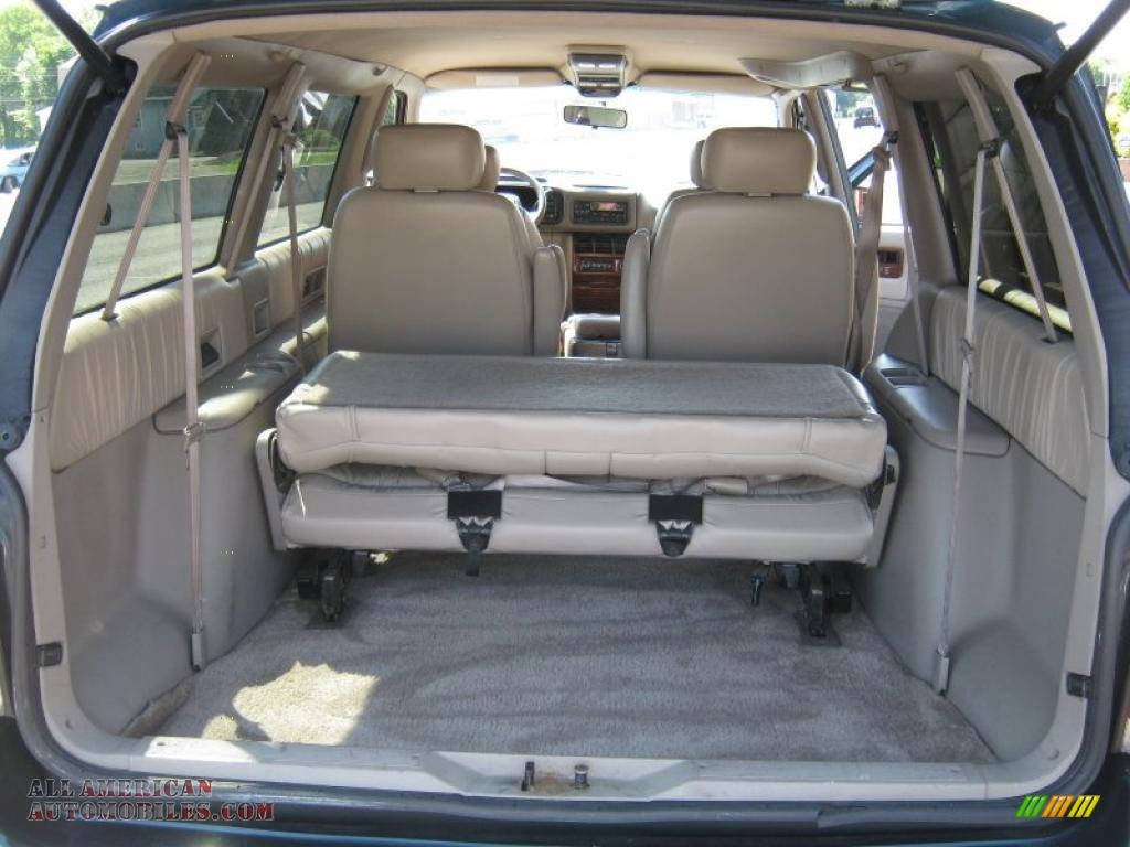 1994 Chrysler Town And Country #13