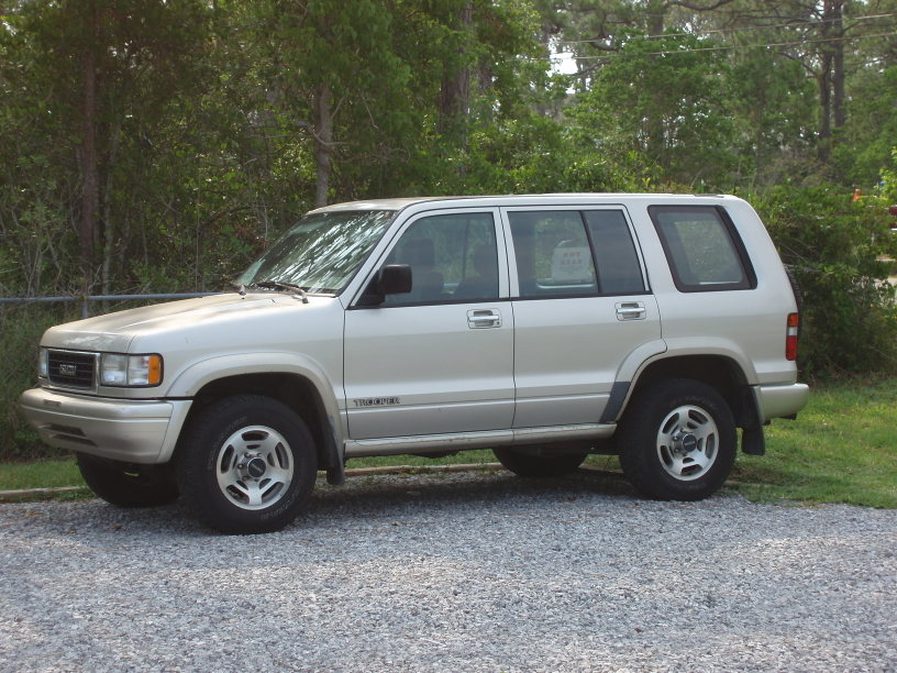 1995 Isuzu Trooper #1
