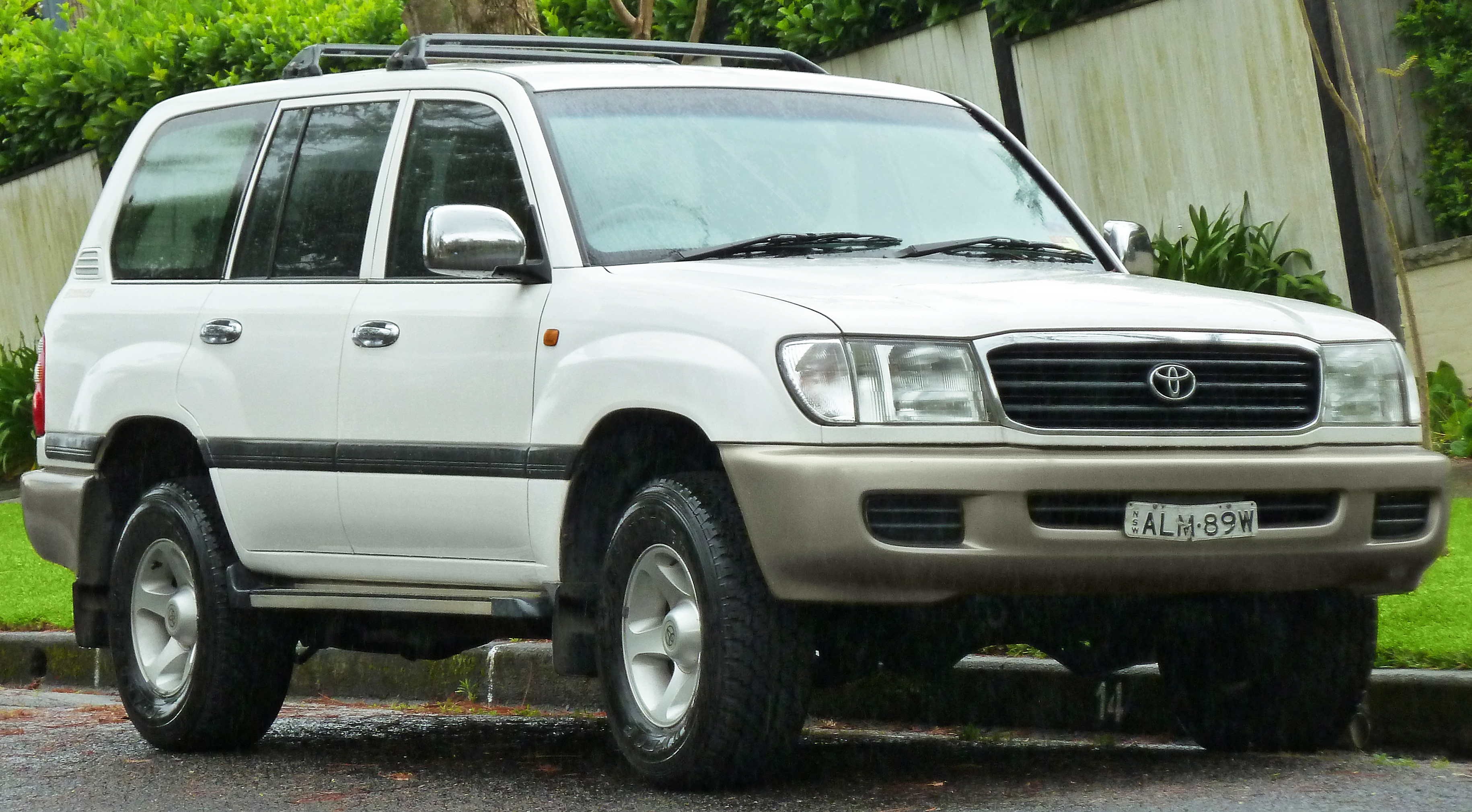 2002 Toyota Land Cruiser #2