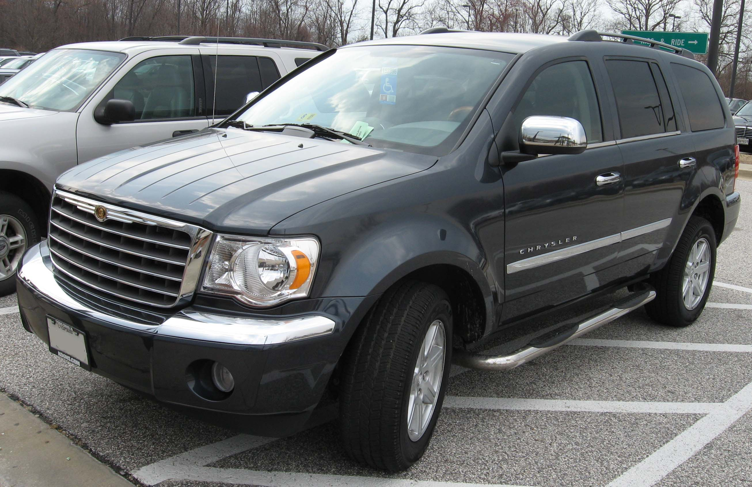 2007 Chrysler Aspen #2