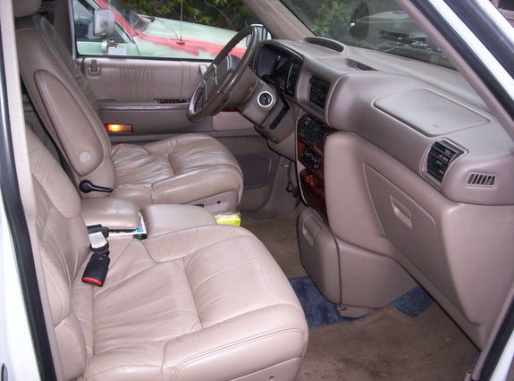 1994 Chrysler Town And Country #12