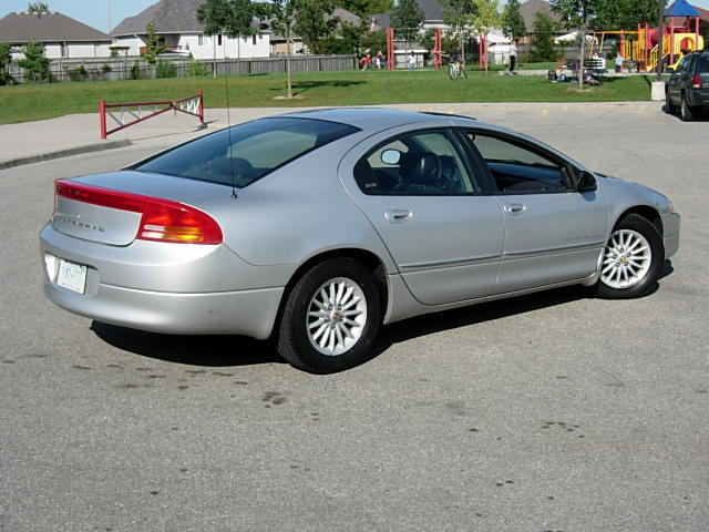 2000 Dodge Intrepid #10