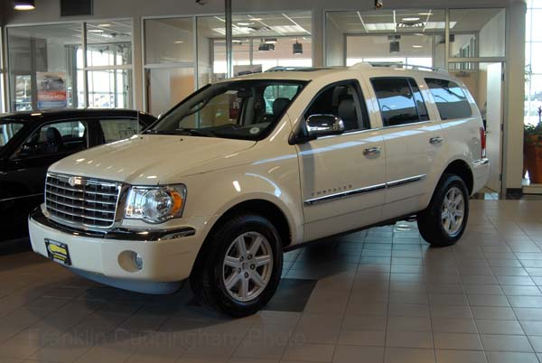2007 Chrysler Aspen #4