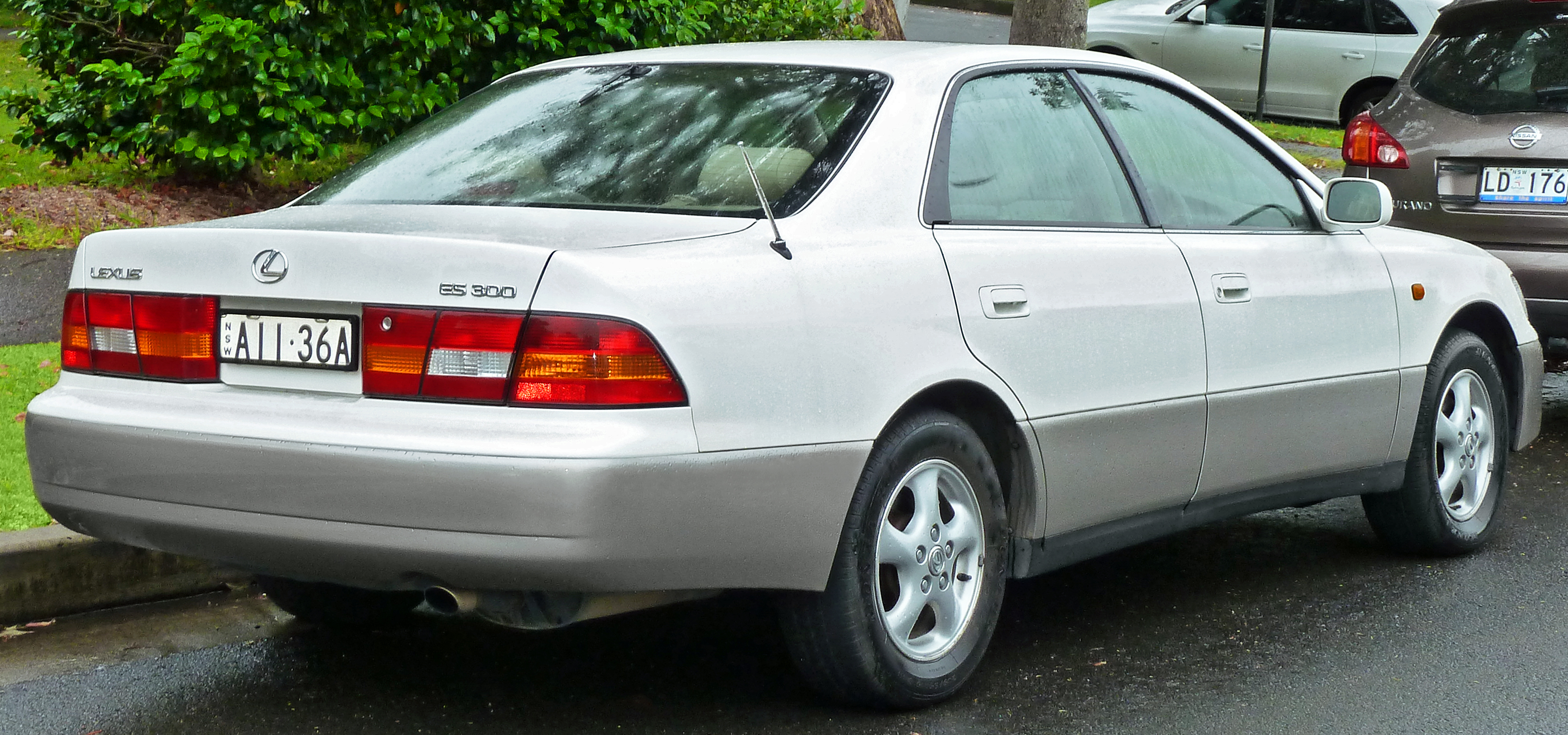 1999 Lexus IS #4
