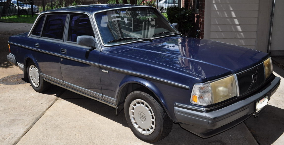 1989 Volvo 245 Photos, Informations, Articles - BestCarMag.com