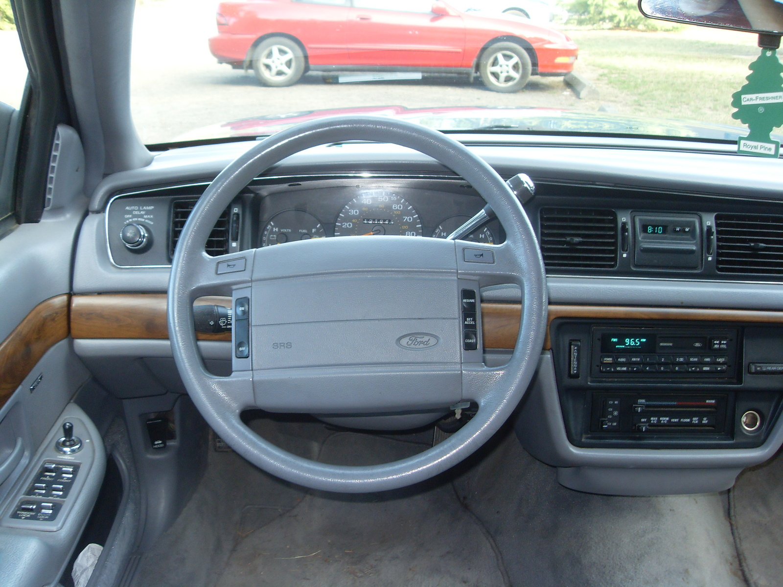 1994 Ford Crown Victoria #8