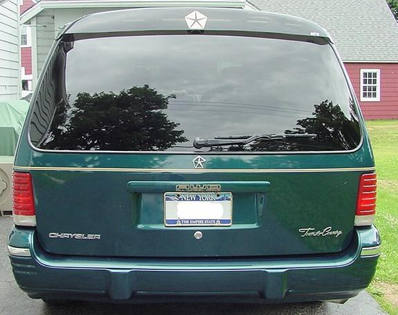 1995 Chrysler Town And Country #7