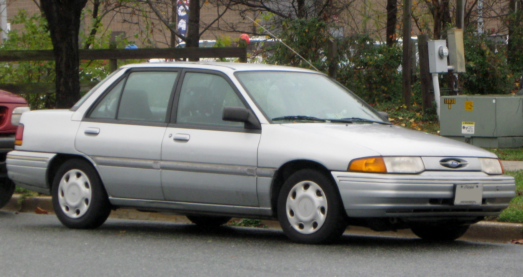 1991 Ford Orion #10