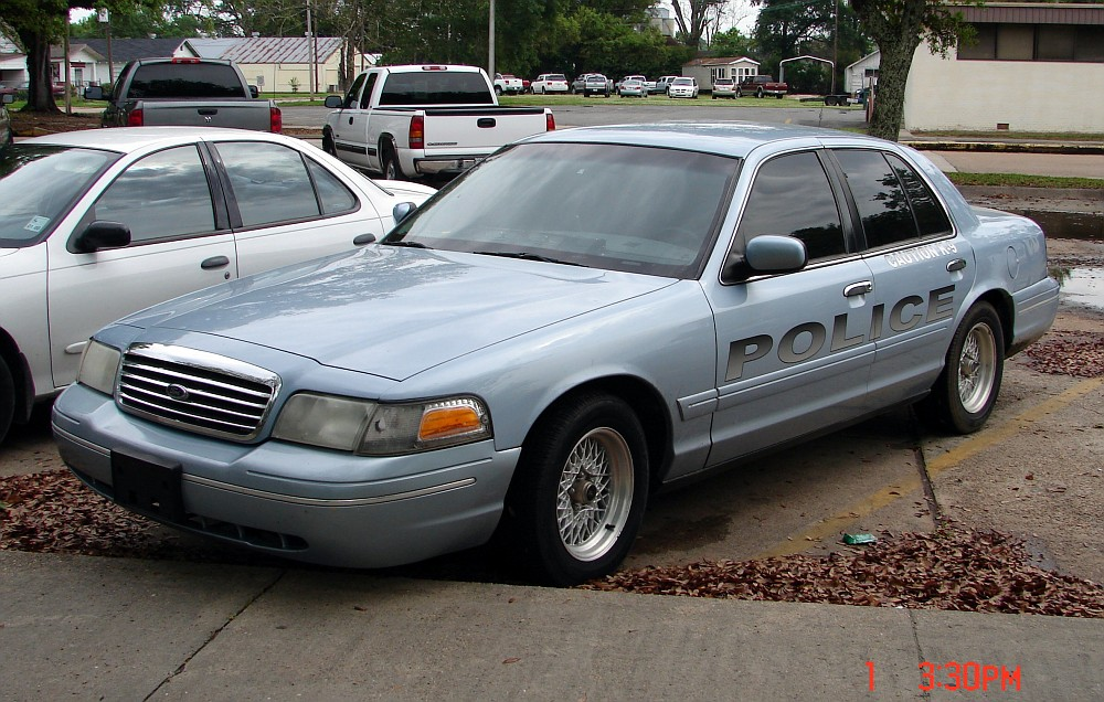 2002 Ford Crown Victoria #13