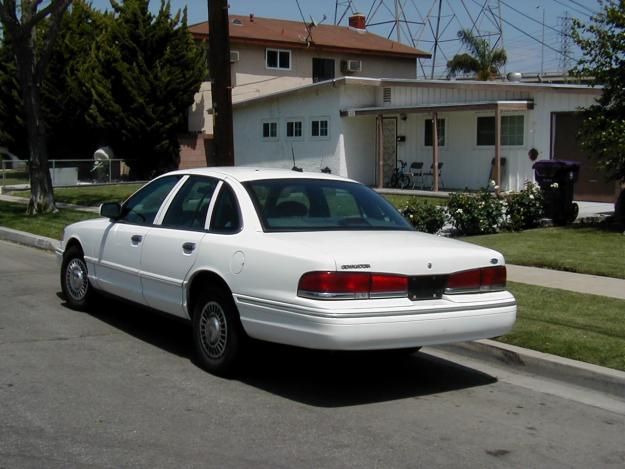 1996 Ford Crown Victoria #2