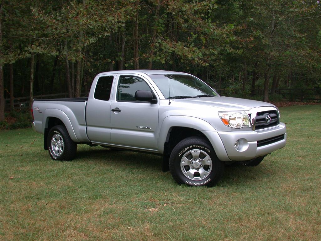2005 toyota tacoma photos informations articles. Black Bedroom Furniture Sets. Home Design Ideas