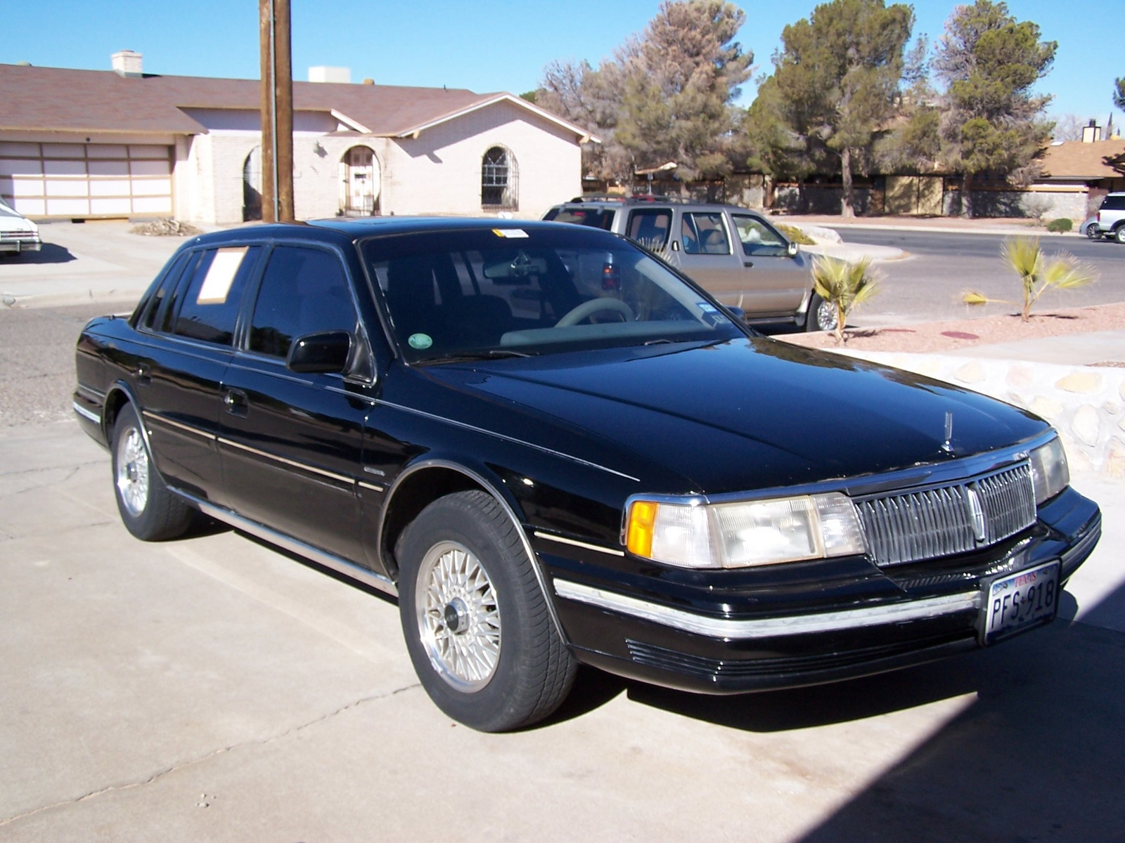 1994 lincoln continental photos informations articles. Black Bedroom Furniture Sets. Home Design Ideas