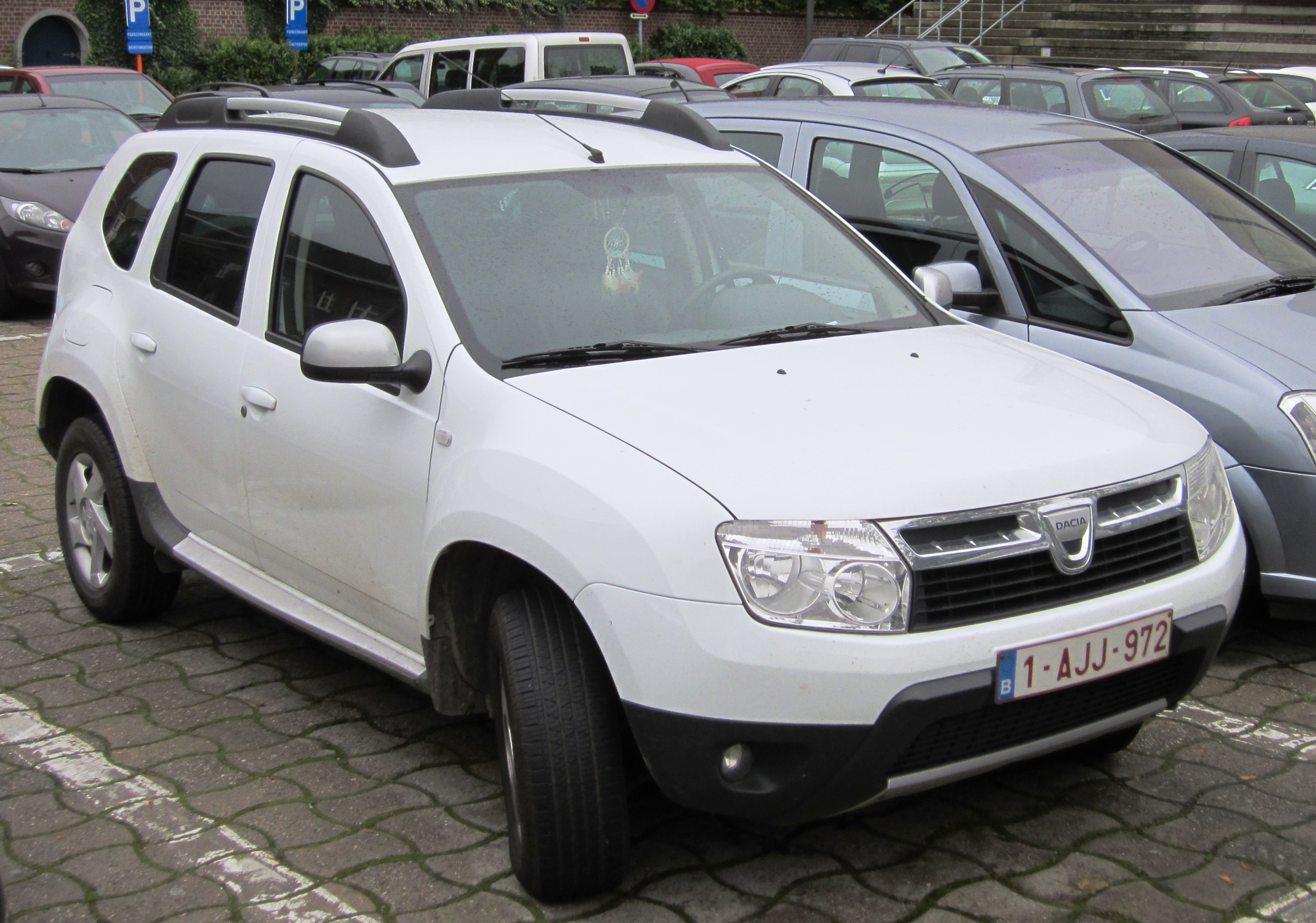 2011 dacia duster photos informations articles. Black Bedroom Furniture Sets. Home Design Ideas