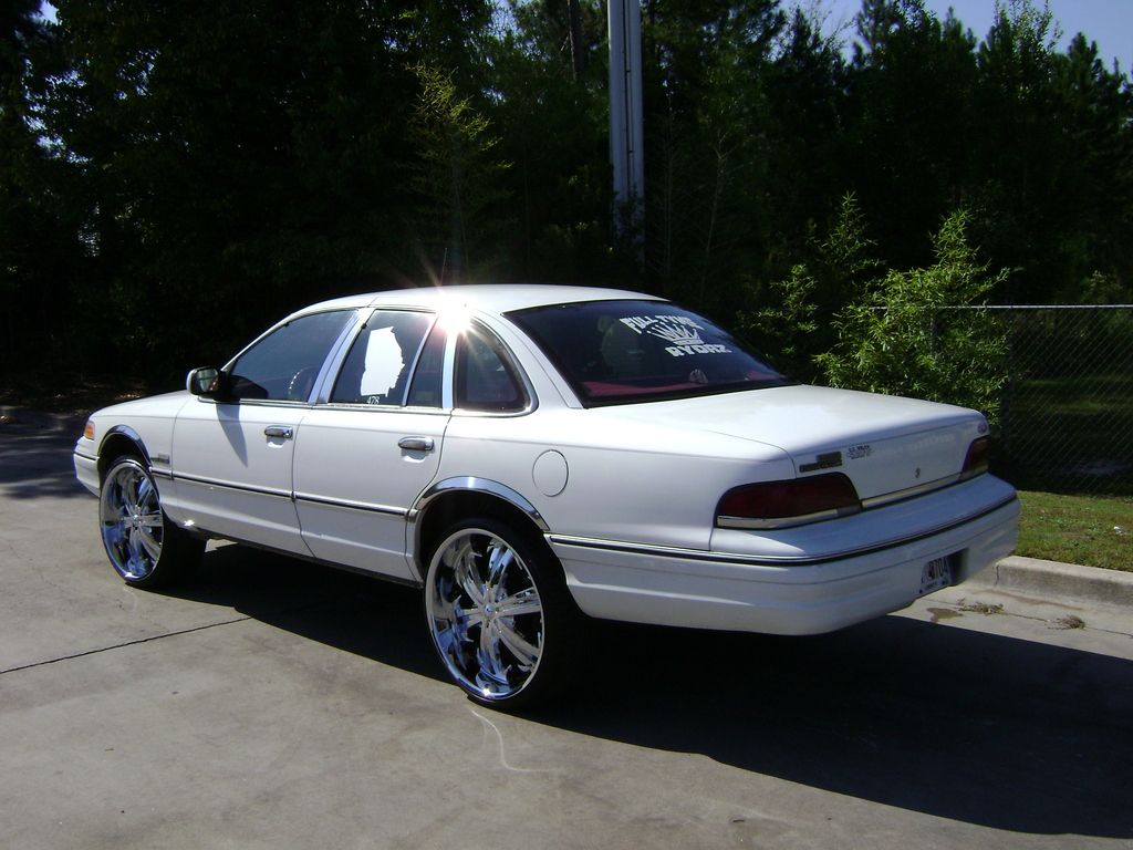1992 Ford Crown Victoria #18