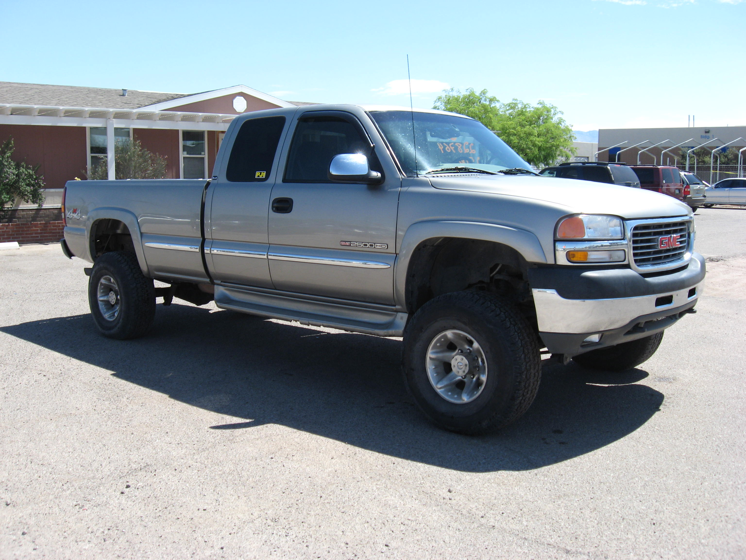 2001 GMC Sierra 2500hd #1