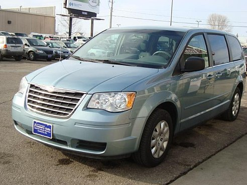 2009 chrysler town and country photos informations articles. Cars Review. Best American Auto & Cars Review