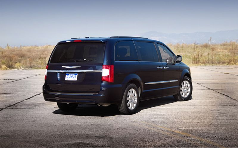 2011 Chrysler Town And Country #10