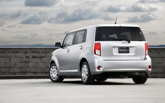 2011 Scion Xb #5