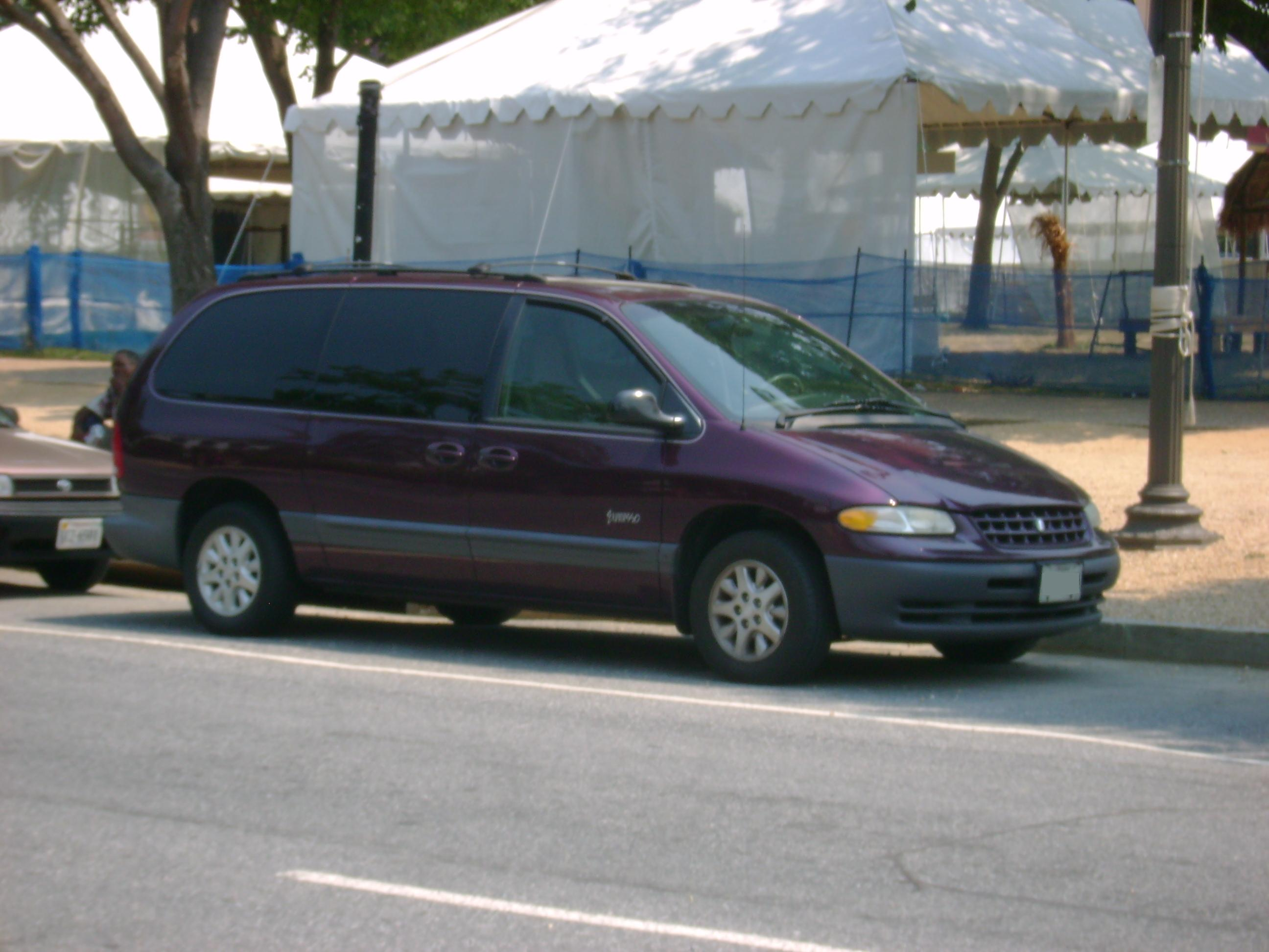 1999 Plymouth Grand Voyager #11