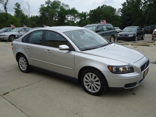 2005 volvo s40 photos informations articles. Black Bedroom Furniture Sets. Home Design Ideas