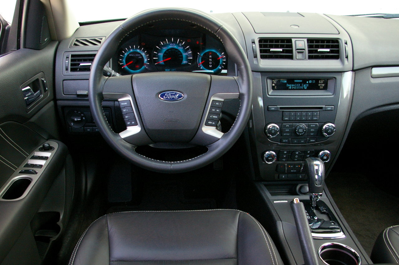 2010 Ford Fusion #6
