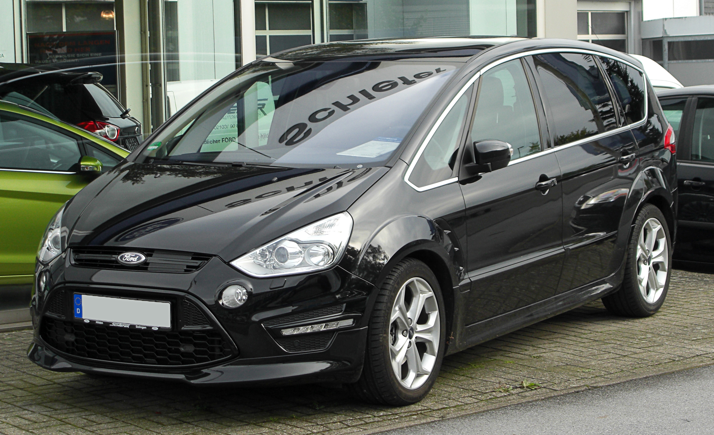2010 Ford S-Max #2