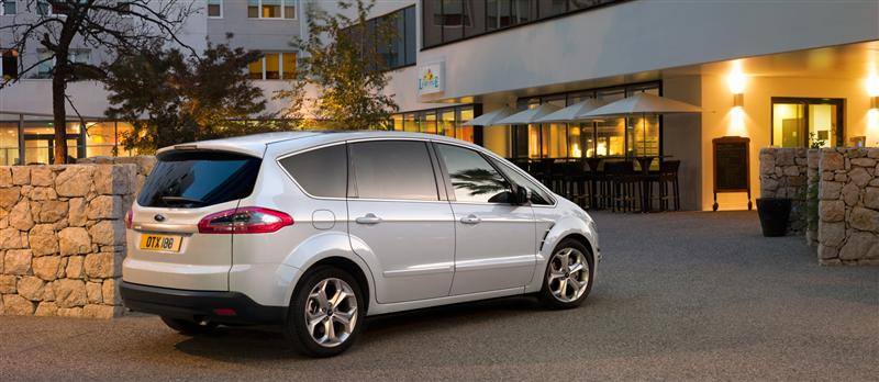 2011 Ford S-Max #8