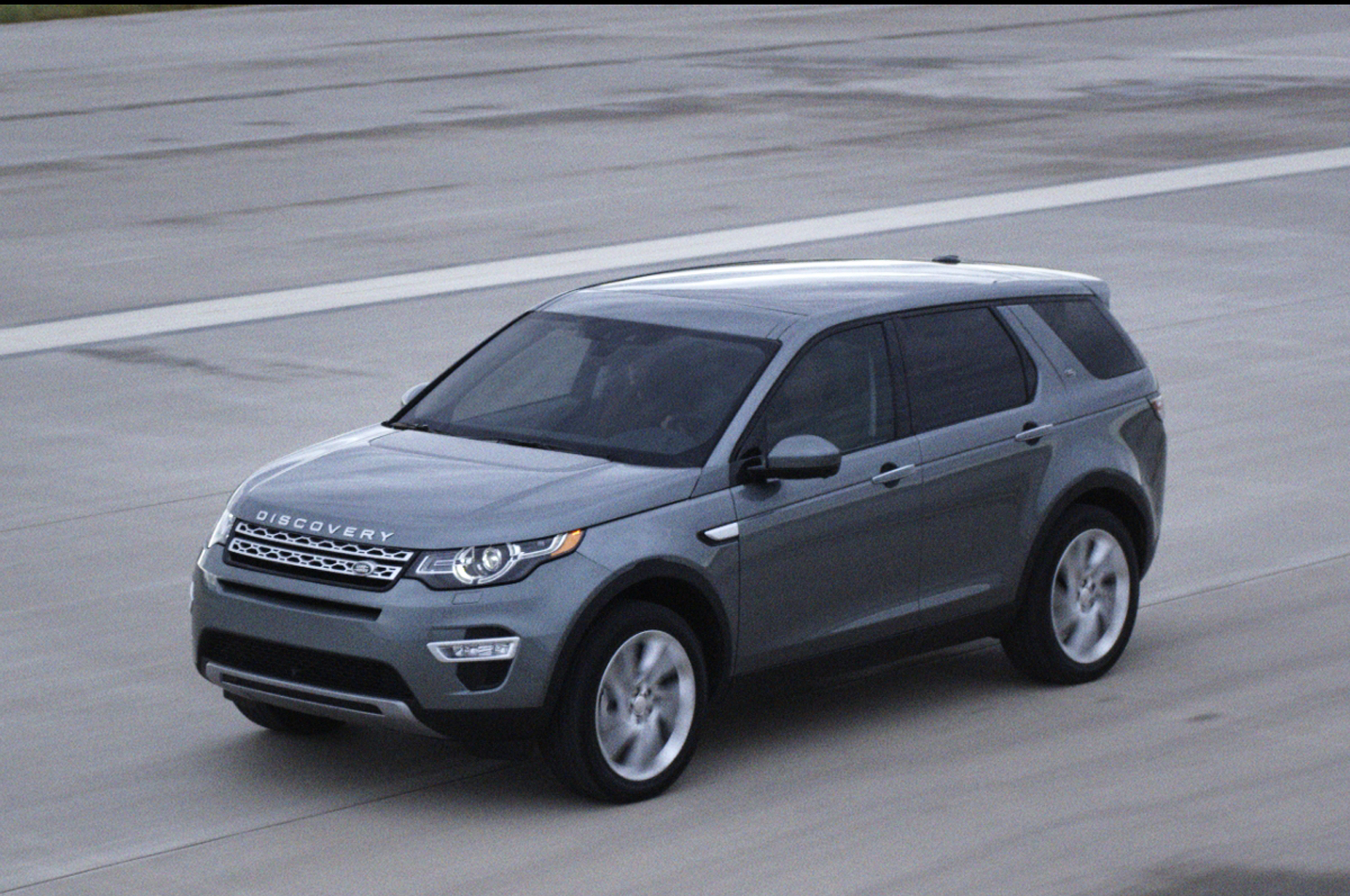 Land Rover Discovery Sport #11