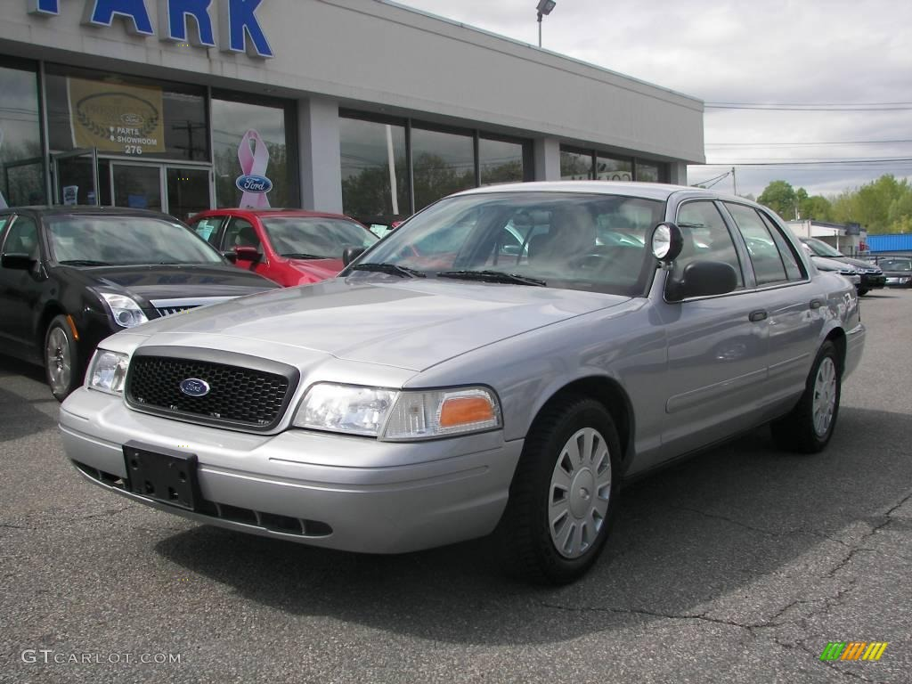 2007 Ford Crown Victoria #13