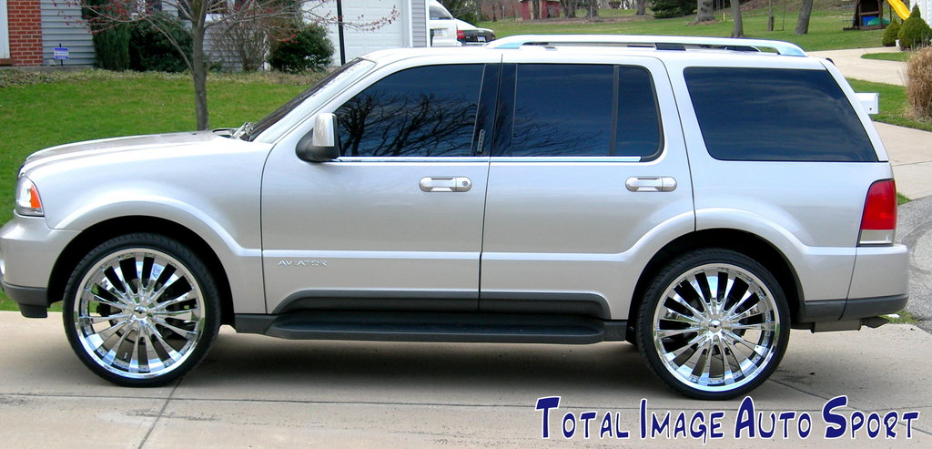 2004 Lincoln Aviator #9
