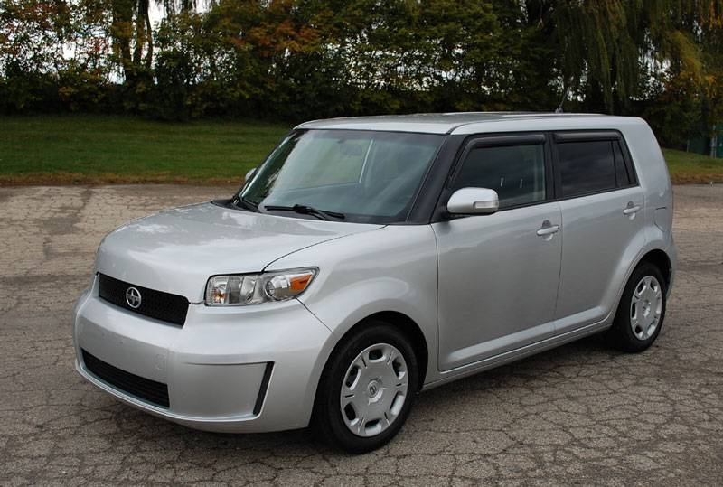 2009 Scion Xb #8