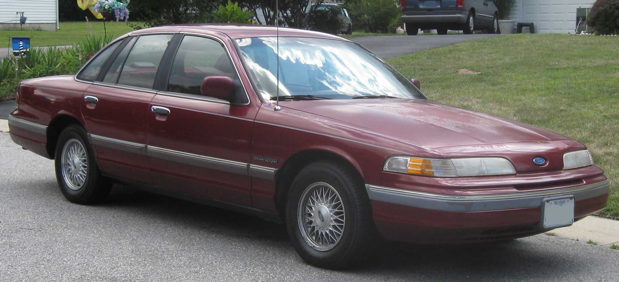 1997 Ford Royale #14