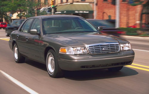 2001 Ford Crown Victoria #4