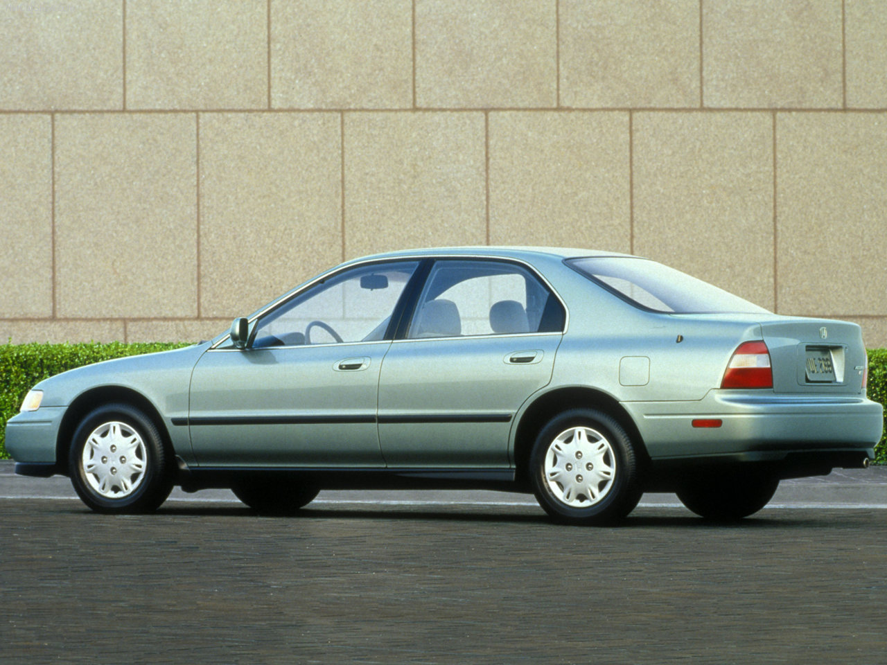 1994 Honda Accord #8