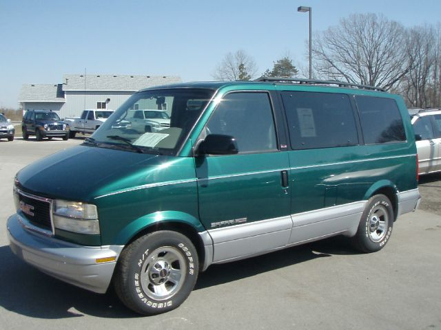 1999 GMC Safari #14