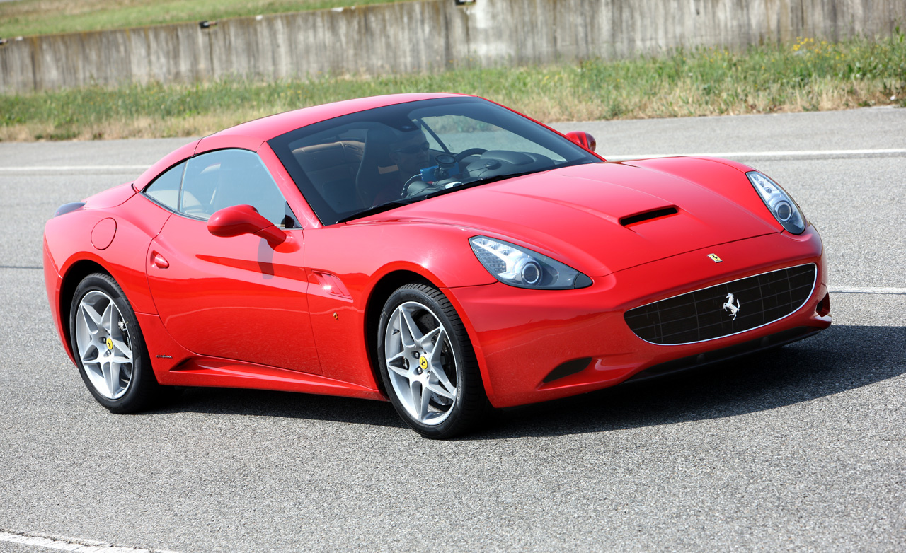 2010 Ferrari California #4