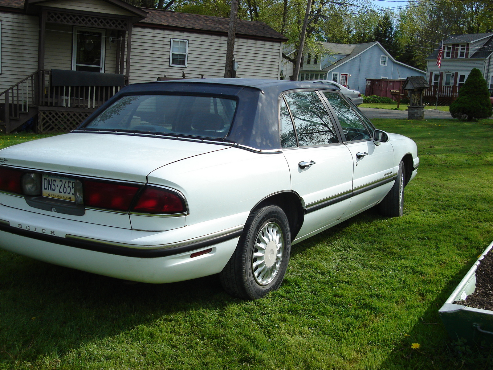 1997 buick lesabre photos informations articles. Black Bedroom Furniture Sets. Home Design Ideas