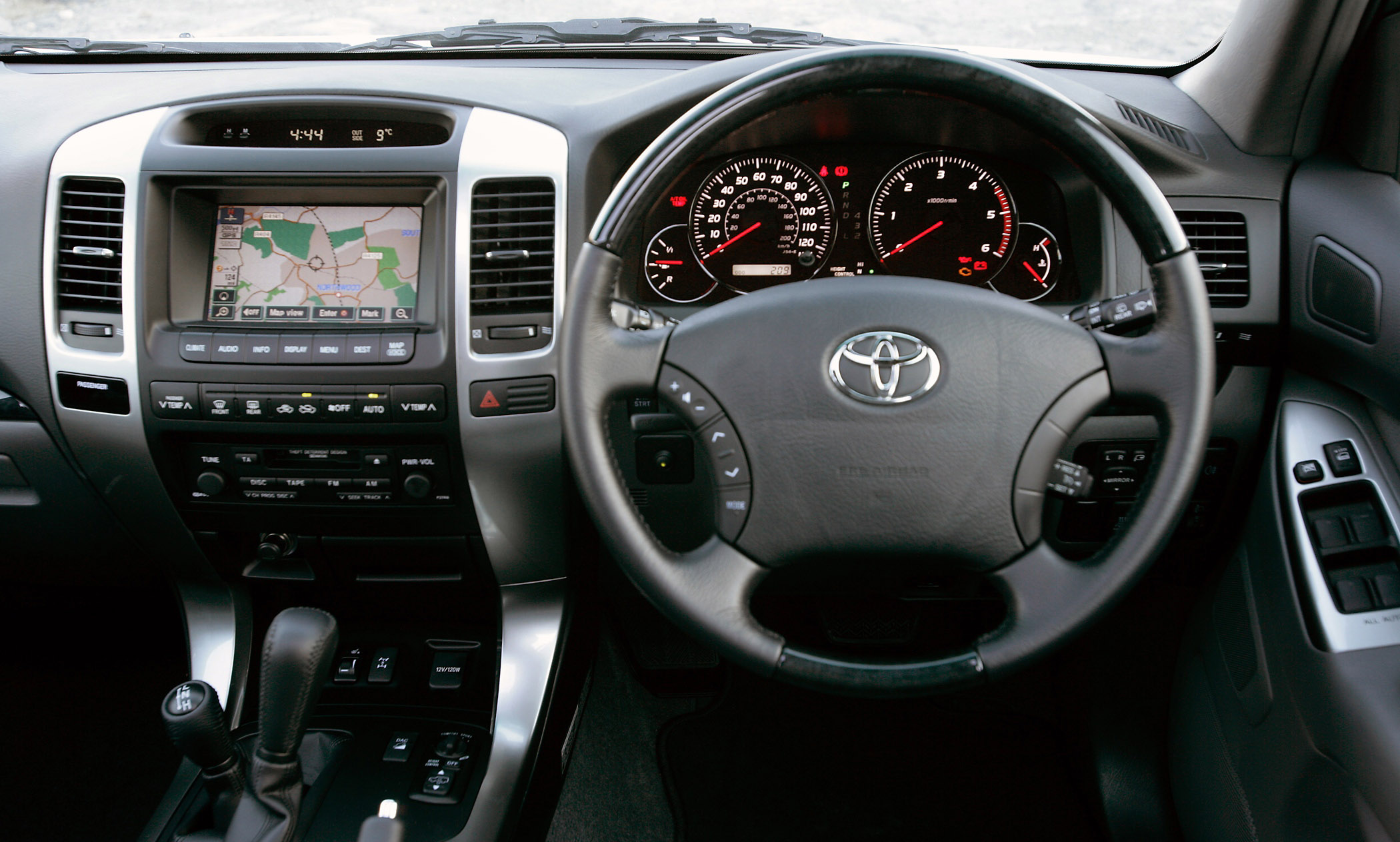 2007 Toyota Land Cruiser #17