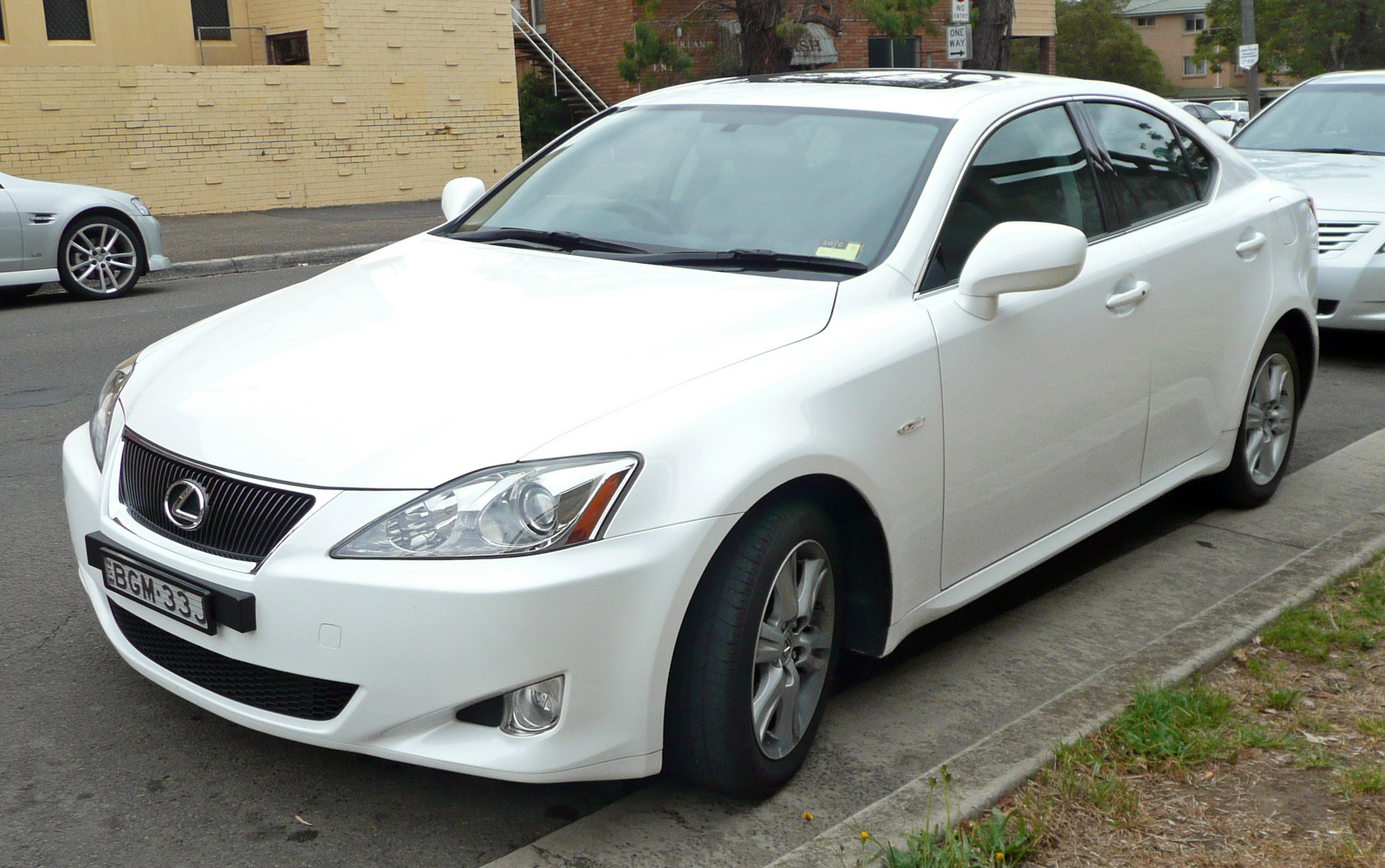 2005 Lexus IS #9