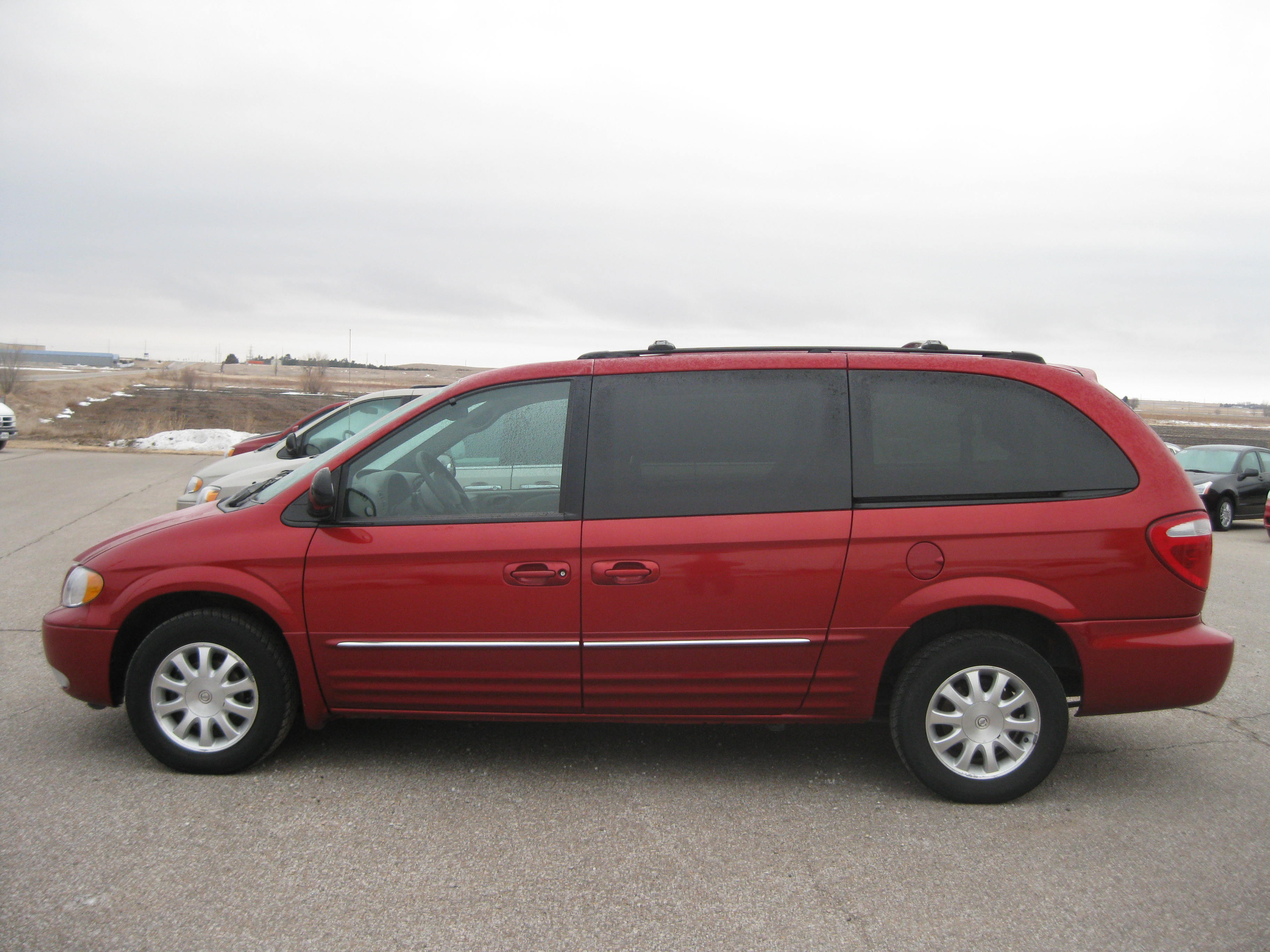2003 Chrysler Town And Country #9