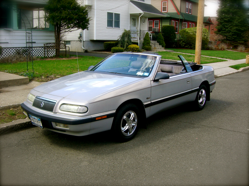 1993 Chrysler Le Baron #2