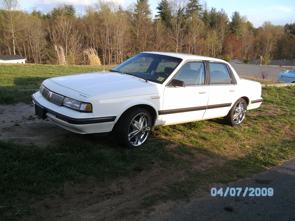 1992 Oldsmobile Cutlass Ciera #3