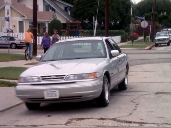 1995 Ford Crown Victoria #16