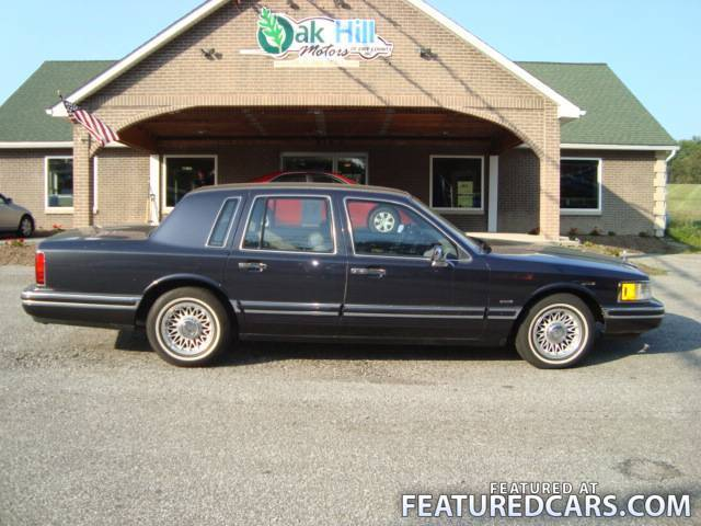 1993 lincoln town car photos informations articles. Black Bedroom Furniture Sets. Home Design Ideas