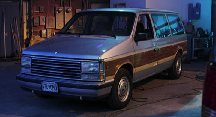1990 Plymouth Grand Voyager #8
