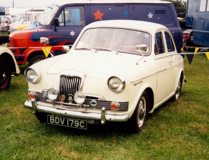 1965 Riley One-Point-Five #10