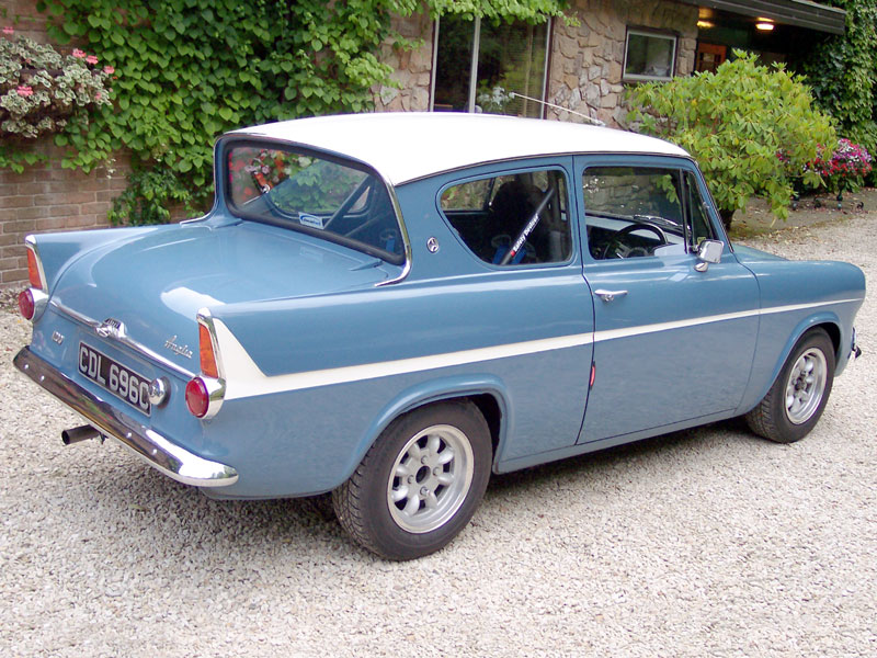 1965 Ford Anglia Photos Informations Articles