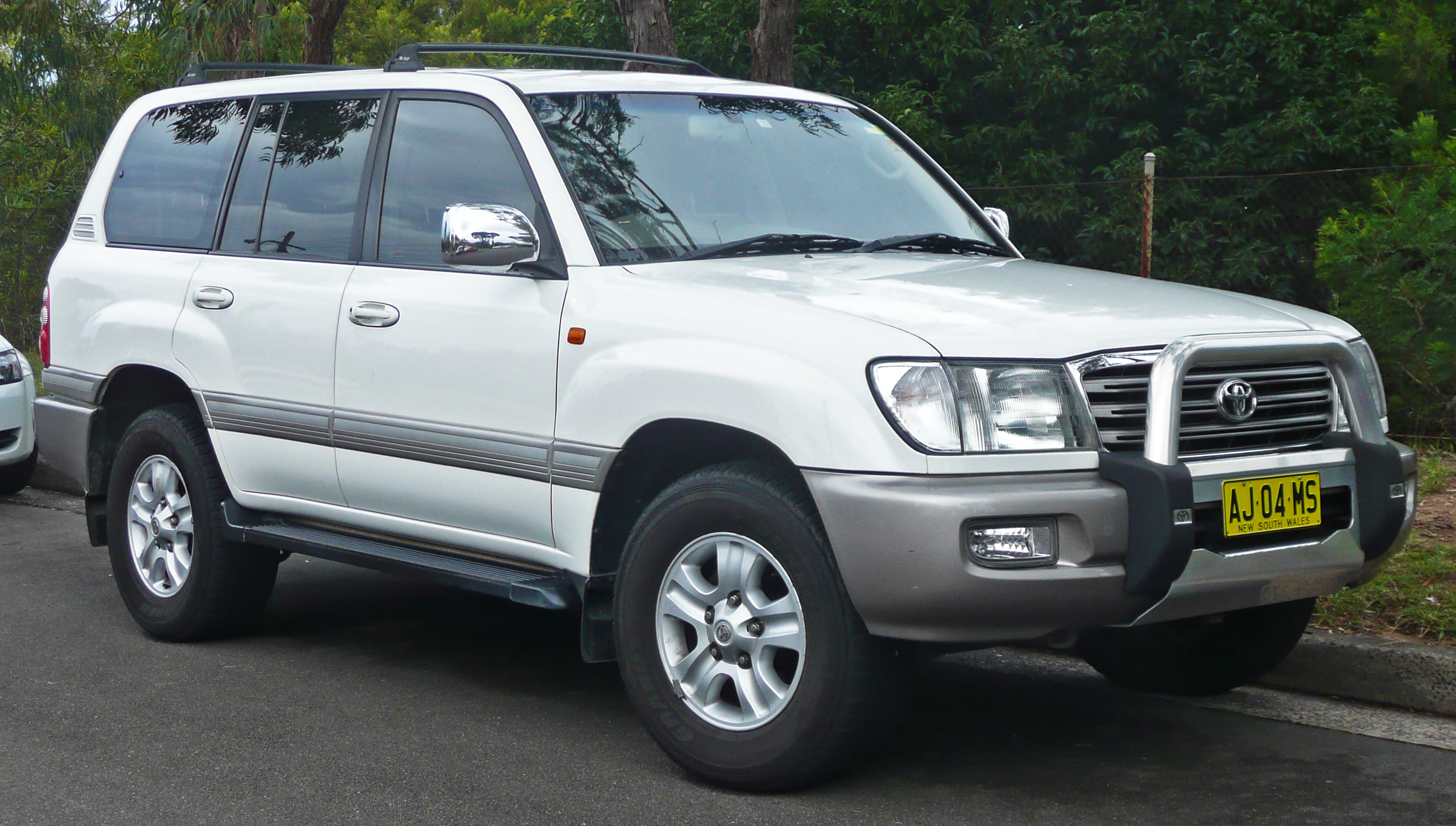2002 Toyota Land Cruiser #3